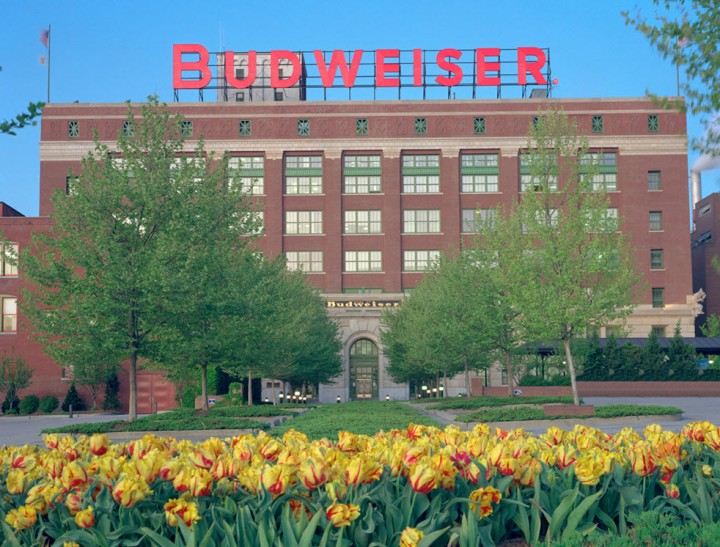 Anheuser-Busch Signs New Supply Chain Contract
